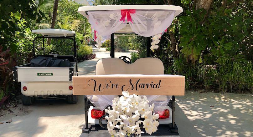 Hochzeitswagen Malediven geschmueckt