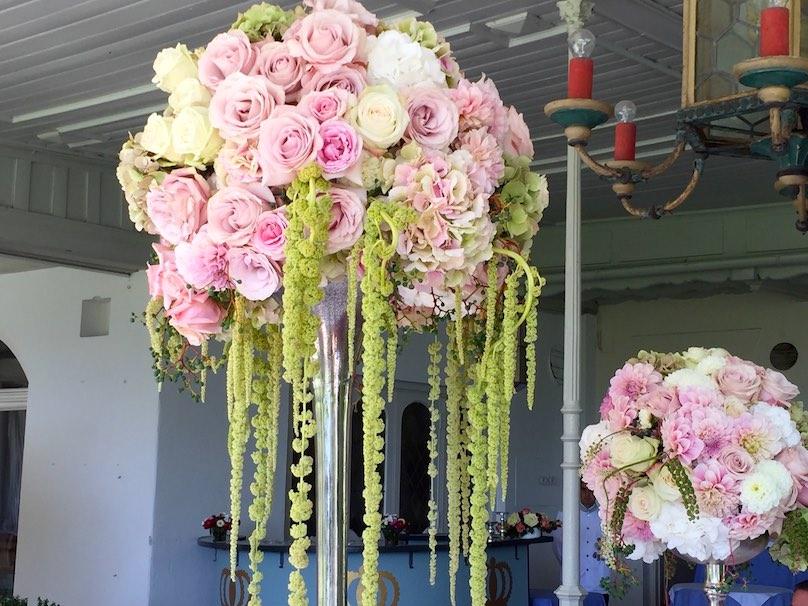Opulente Blumendeko für Party am Starnberger See
