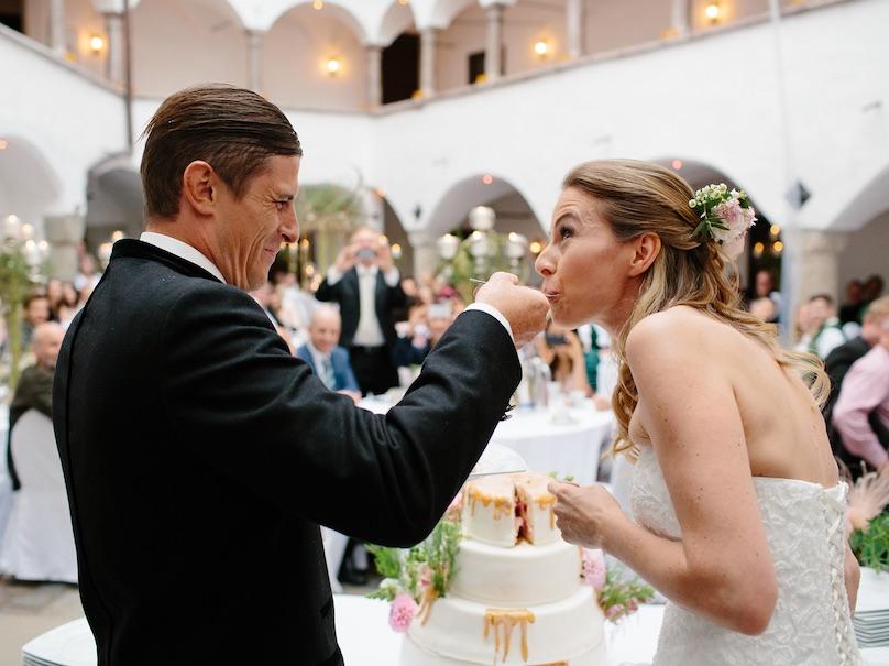 Hochzeitstorten DEko mit Blumen