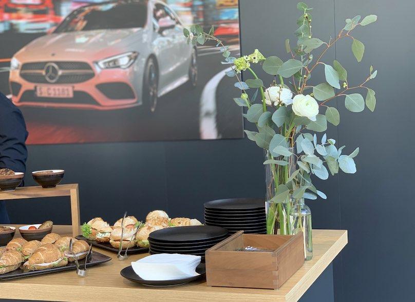Mercedes Autohaus Dekoration München